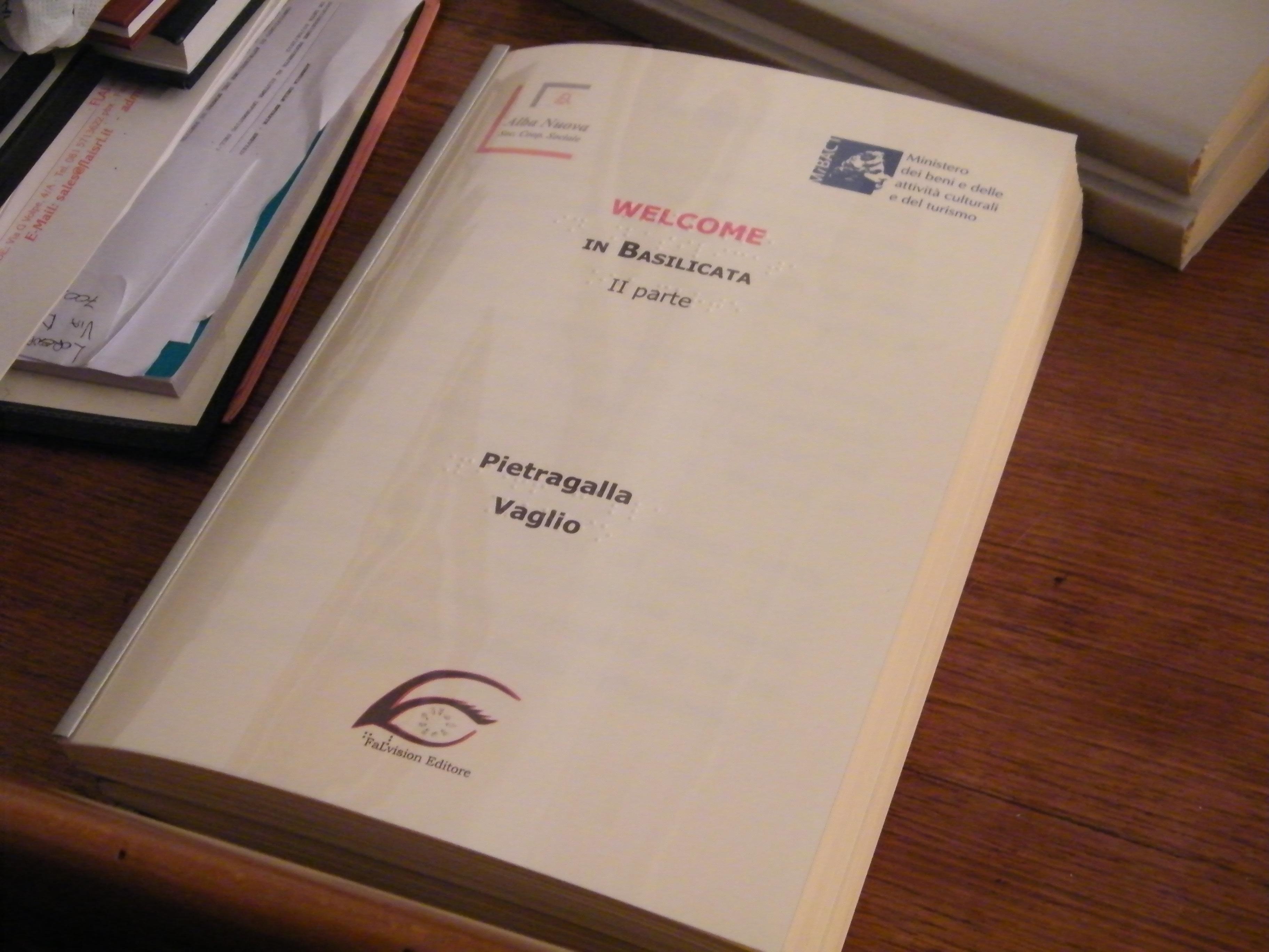 Libro Braille-Large Print per il Progetto Welcome